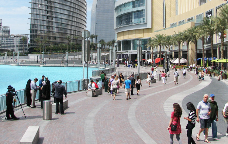 dress code in dubai uae