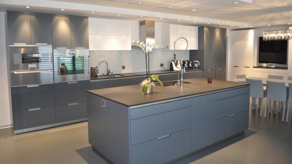 Santos kitchens dubai furniture shops for Kitchen companies dubai