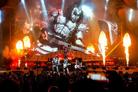KISS New Year's Eve concert breaks 2 Guinness Records